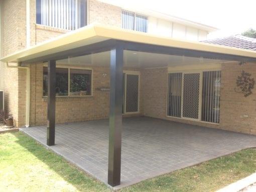 Insulated roof panel pergola