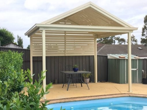 Gable roof pergola with privacy screening